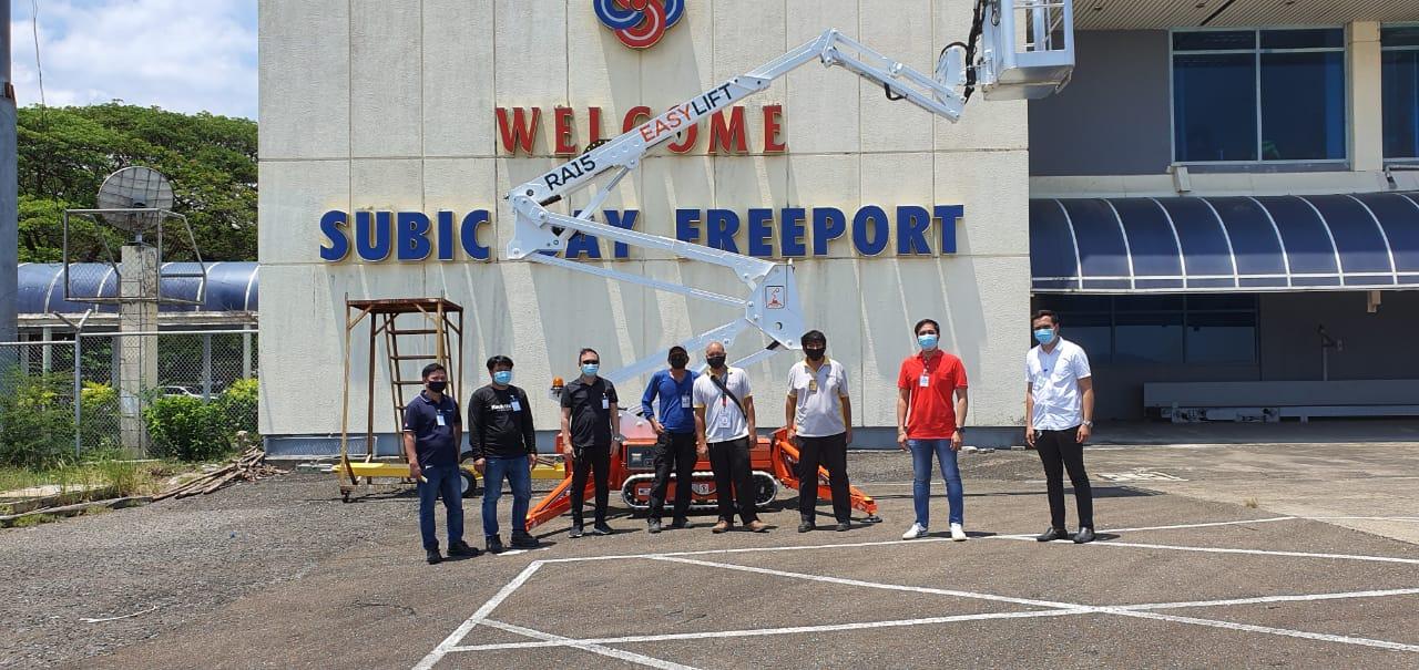 Un RA15 per l'Aeroporto di Subic Bay