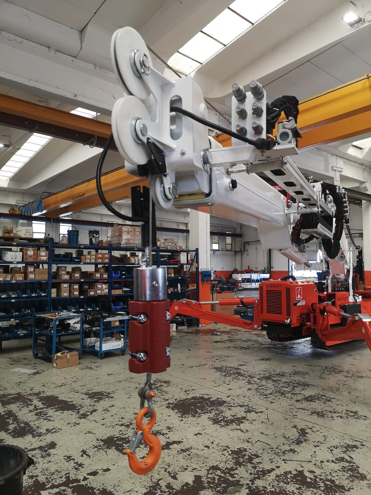 Telescopic spiders with the winch become cranes